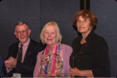 Elaine receives award